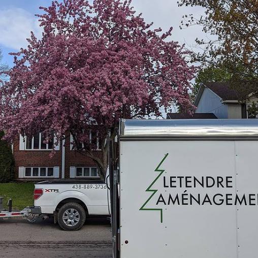 lettrage sur véhicule - lettrage sur remorque - lettrage - lettrage véhicule